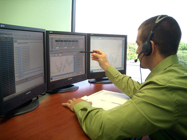 How hard is it to make money forex trading
